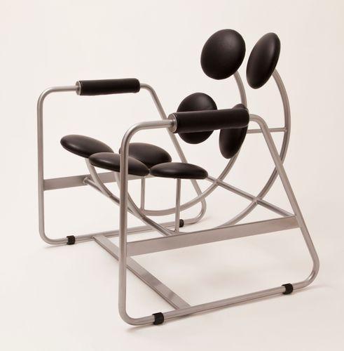 Nesta Chair